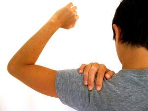 Боль в плече при шейном остеохондрозе