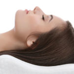 Как правильно выбрать ортопедическую подушку при шейном остеохондрозе